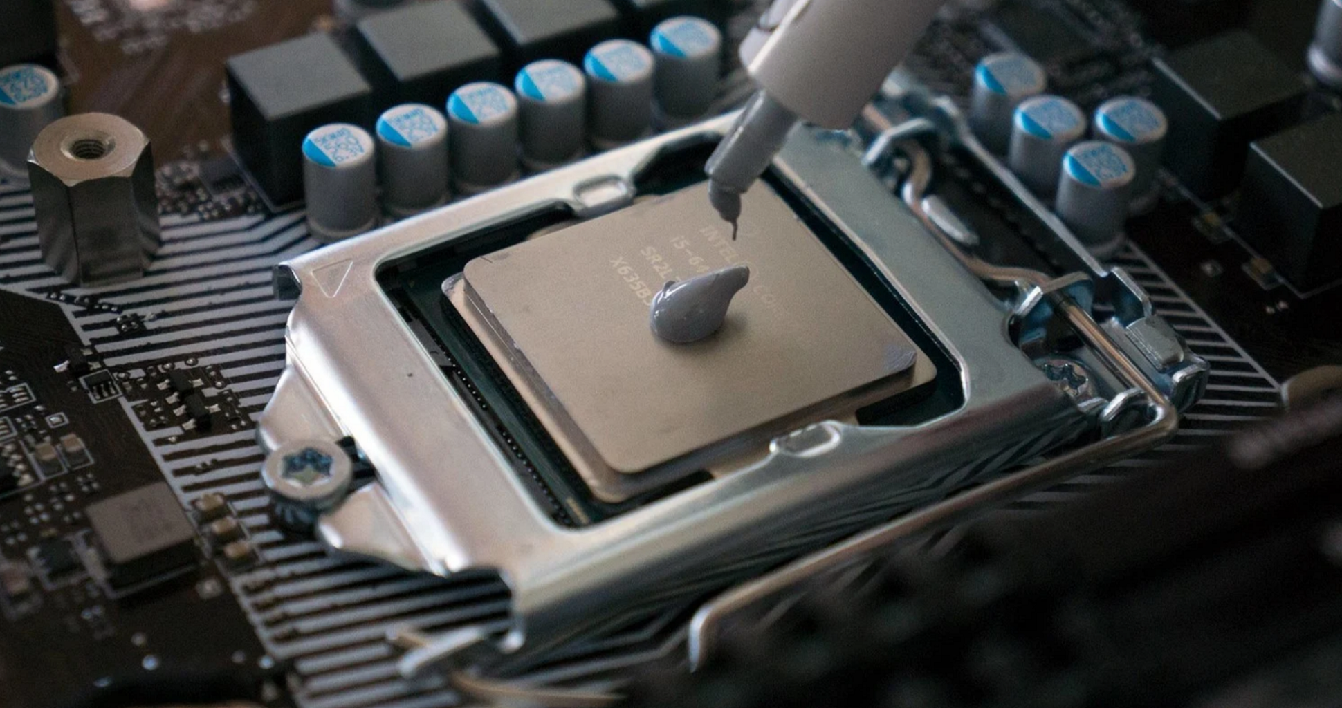 Comprehensive Guide On CPU Thermal Paste